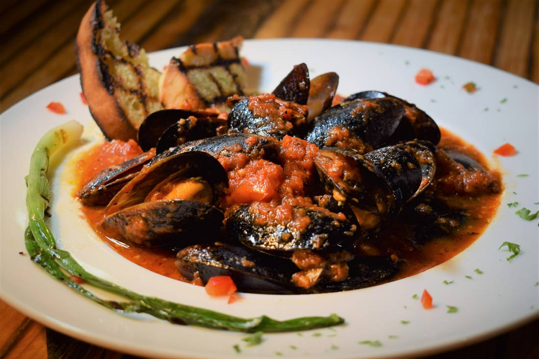 mussels-with-charred-tomato-sauce